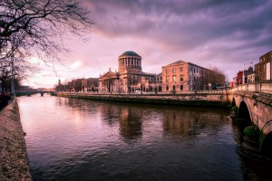 Ireland-Dublin-River-Liffey-Four-Courts-sunset-HDR